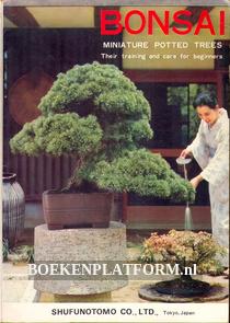 Bonsai, minature potted trees