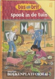 Bas En Brit Spook In De Tuin